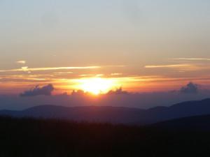 Wschód słońca widziany z Rysianki