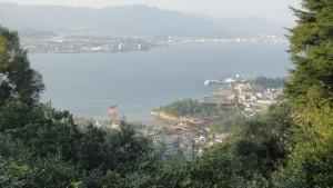 Miyajima na tle Hiroszimy